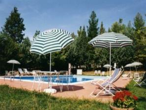 Italy-Umbria-Perugia Apartaments rental with swiming pool, ideal for families!